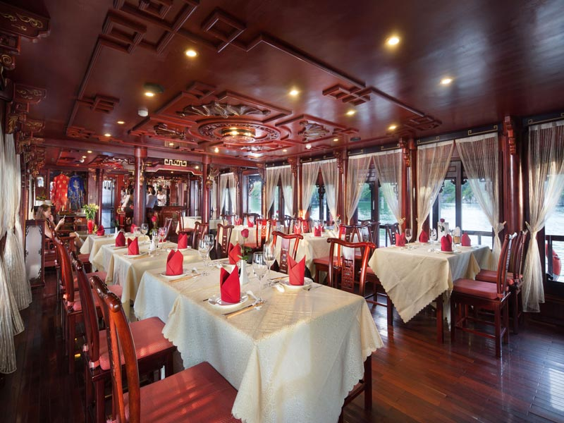Halong-Royal-Palace-Cruise-Restaurant-1.jpeg