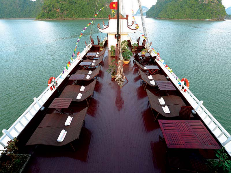 Halong-Royal-Palace-Cruise-Sundeck.jpeg