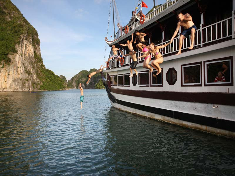 Halong-Royal-Palace-Cruise-Swimming.jpeg