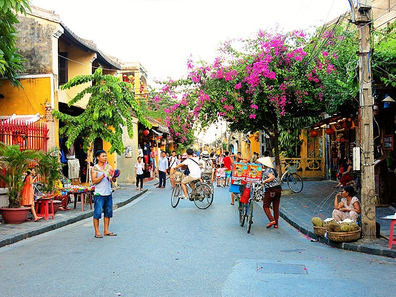 Vietnam tours 12 days Hoi An old town 1.jpeg