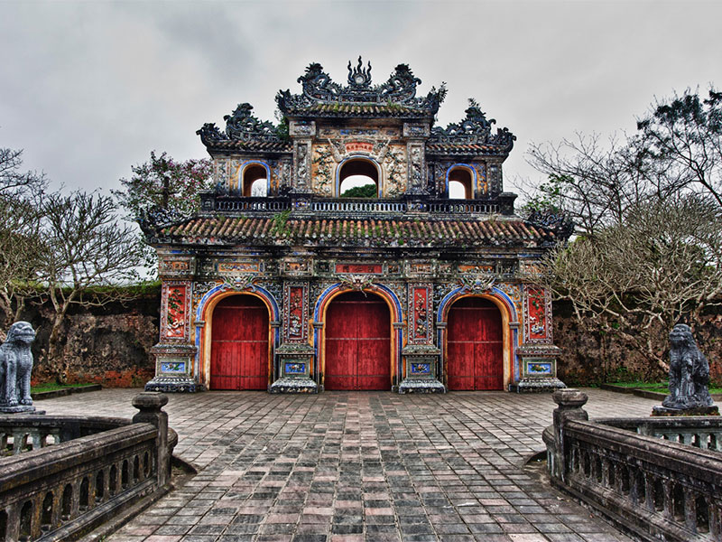 Vietnam tours 12 days Hue 1.jpeg