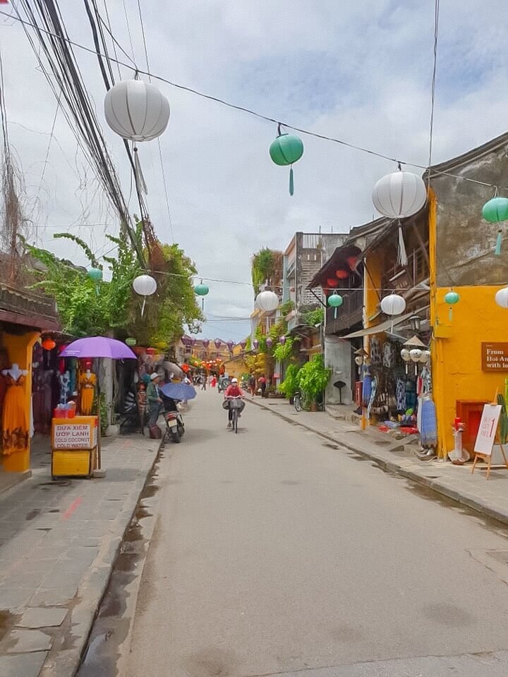 amazing-vietnam-7-days-hoian-old-town.jpeg