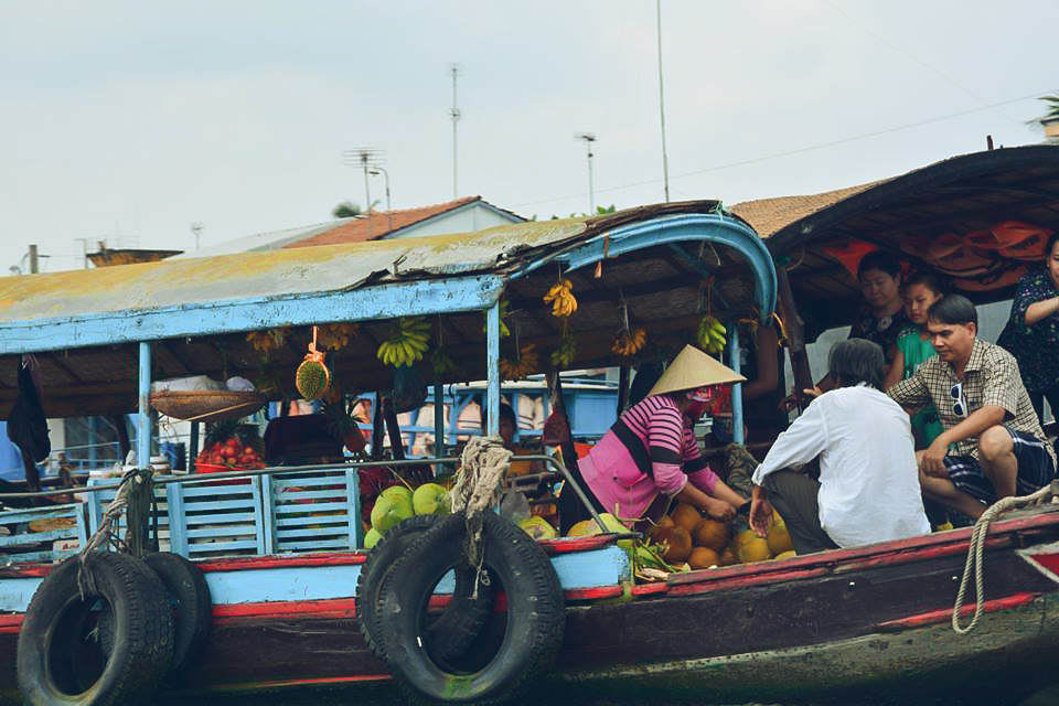 cai-be-floating-market-vinh-long-one-day-tour-5.jpeg
