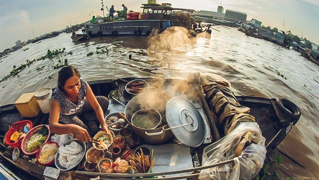 cai-be-floating-market-vinh-long-one-day-tour-8.jpeg