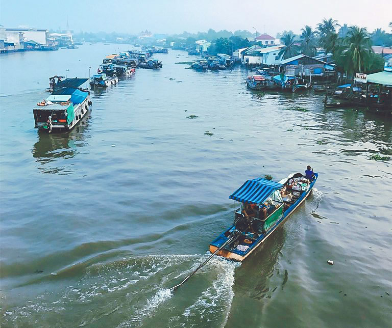 cai-be-floating-market-vinh-long-one-day-tour