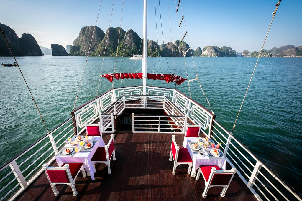 halong-gray-line-cruise-9.jpeg