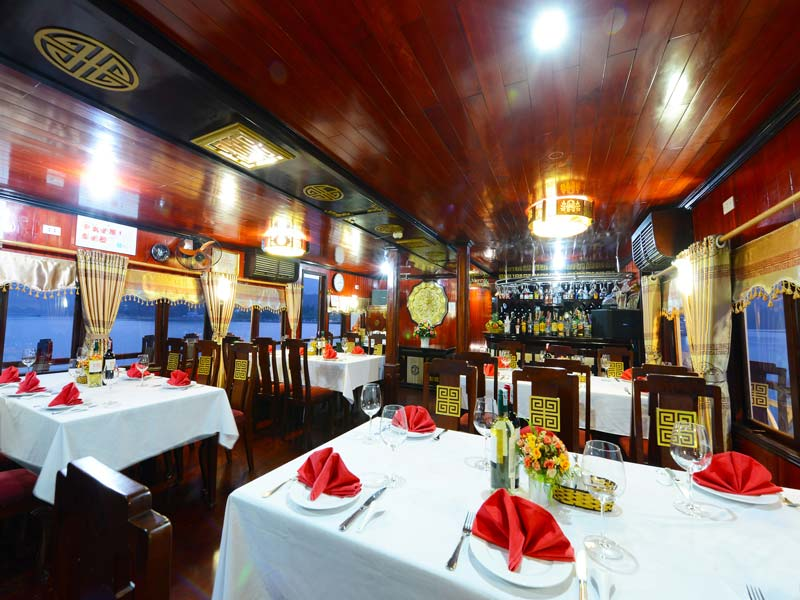 halong-imperial-legend-cruise-restaurant-2.jpeg