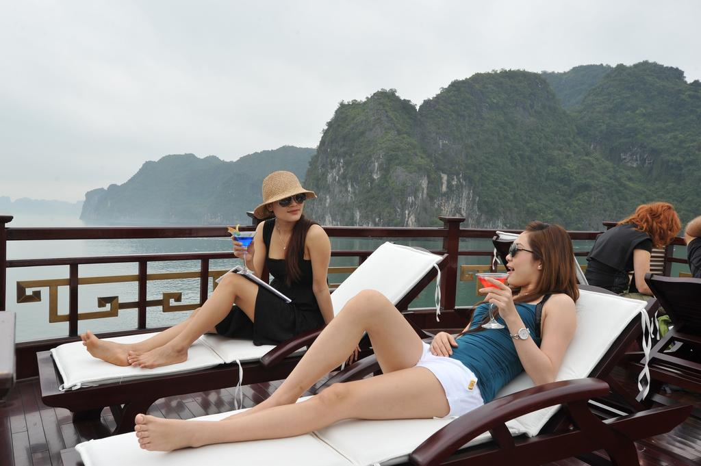 halong-oriental-sail-cruise-15.jpeg