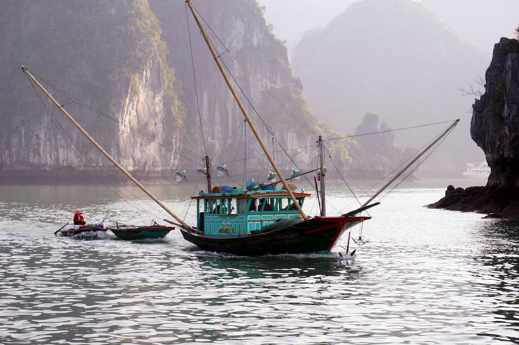 halong-oriental-sail-cruise-16.jpeg