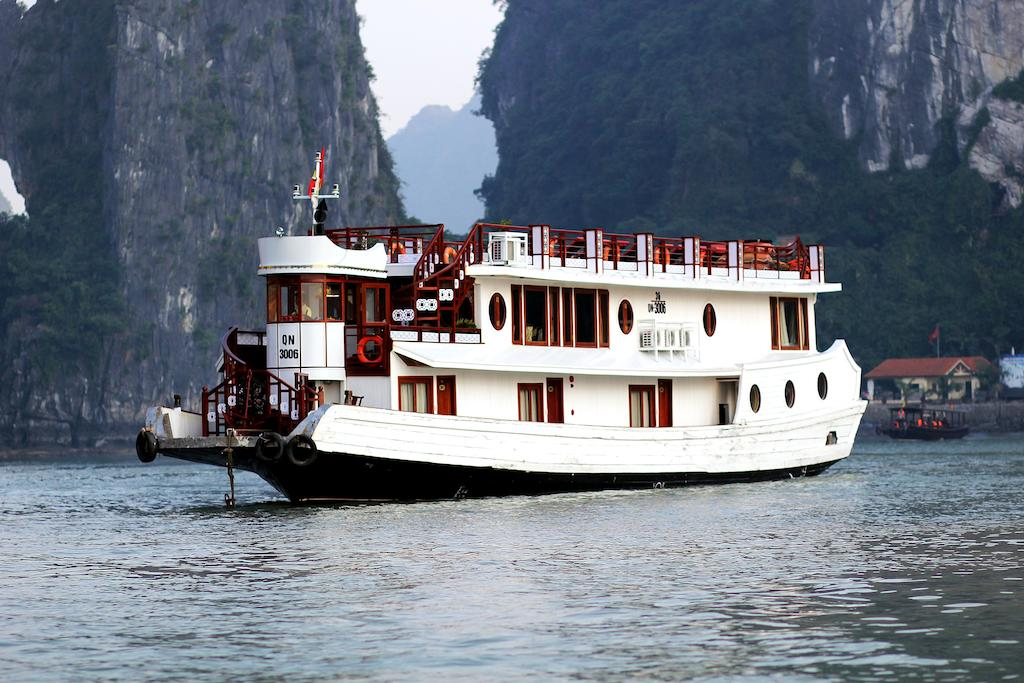 halong-oriental-sail-cruise-2.jpeg