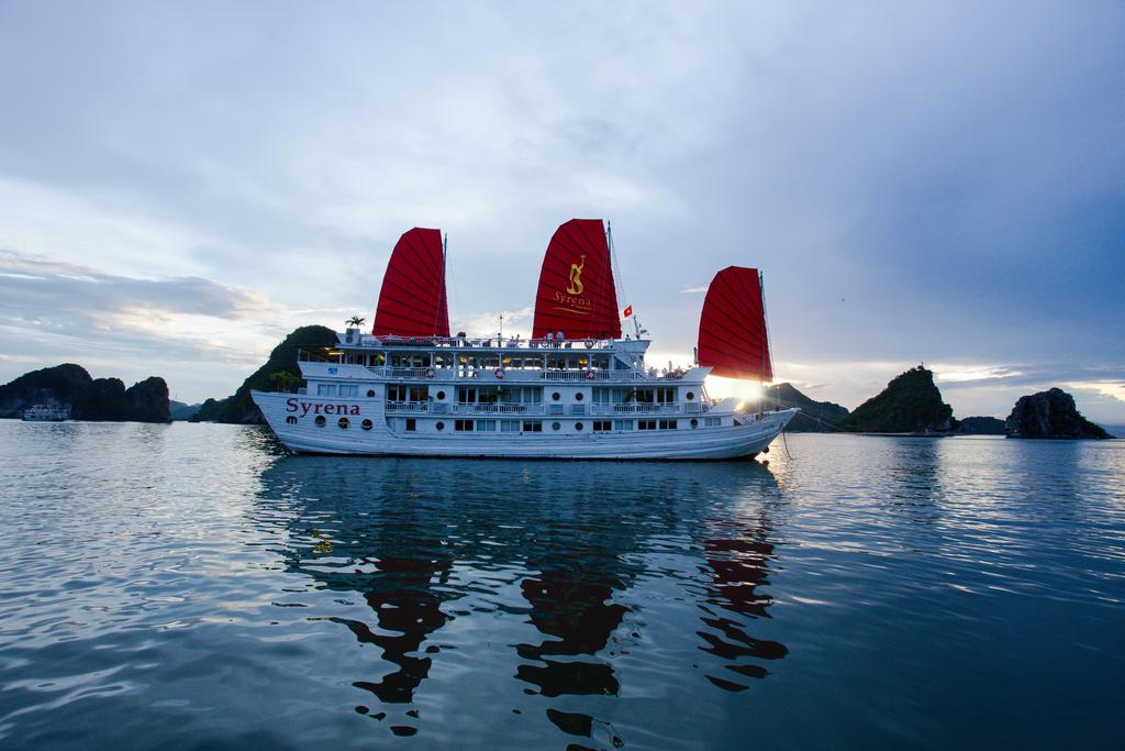 halong-syrena-cruise-3.jpeg