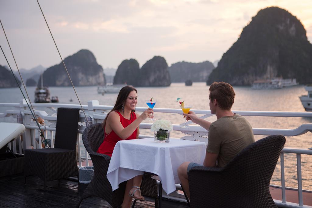 halong-syrena-cruise-4.jpeg