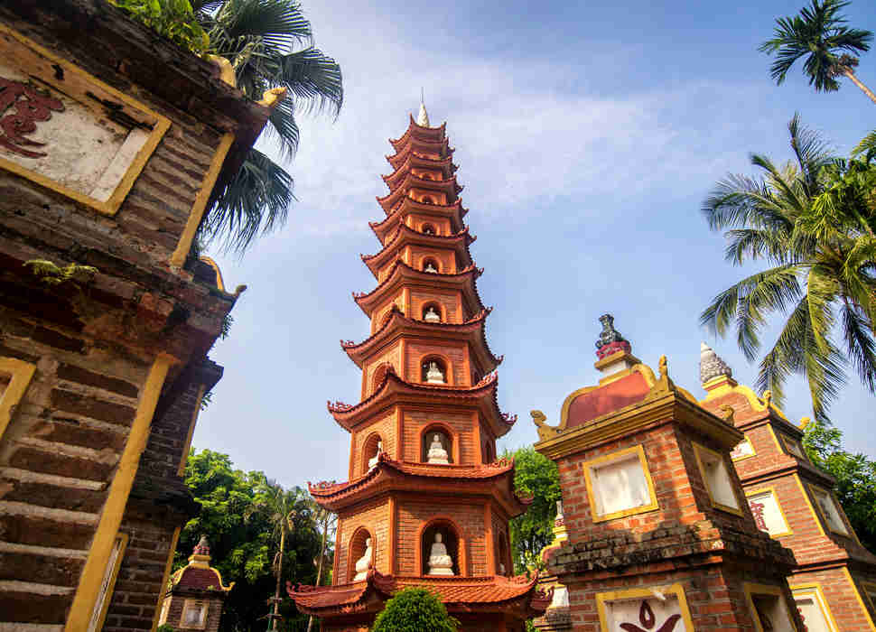 hanoi-city-tour-tran-quoc-pagoda-2.jpeg
