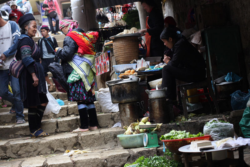 northern-vietnam-classic-tours-sapa-street-food.jpeg