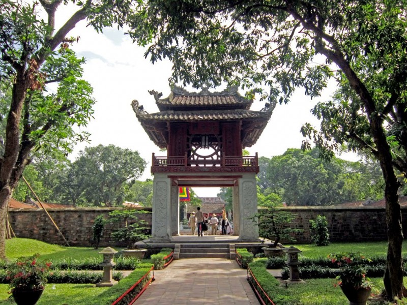 vietnam-tours-7-days-temple-of-literature.jpeg